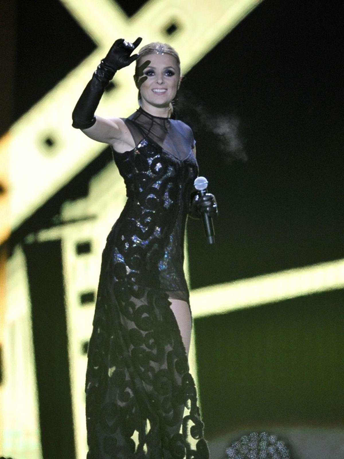 Halina Mlynkova w czarnej sukni
