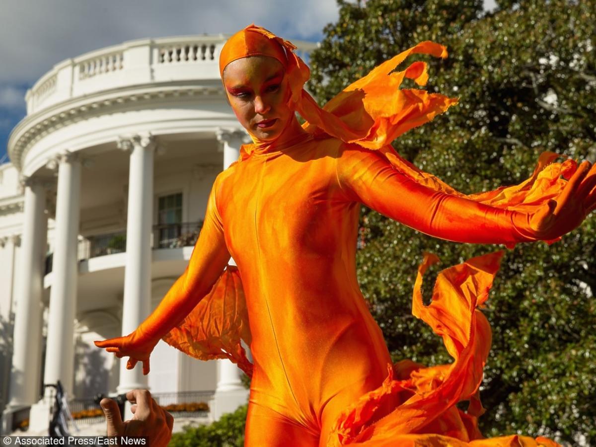 Halloween w Białym Domu - przebrana osoba