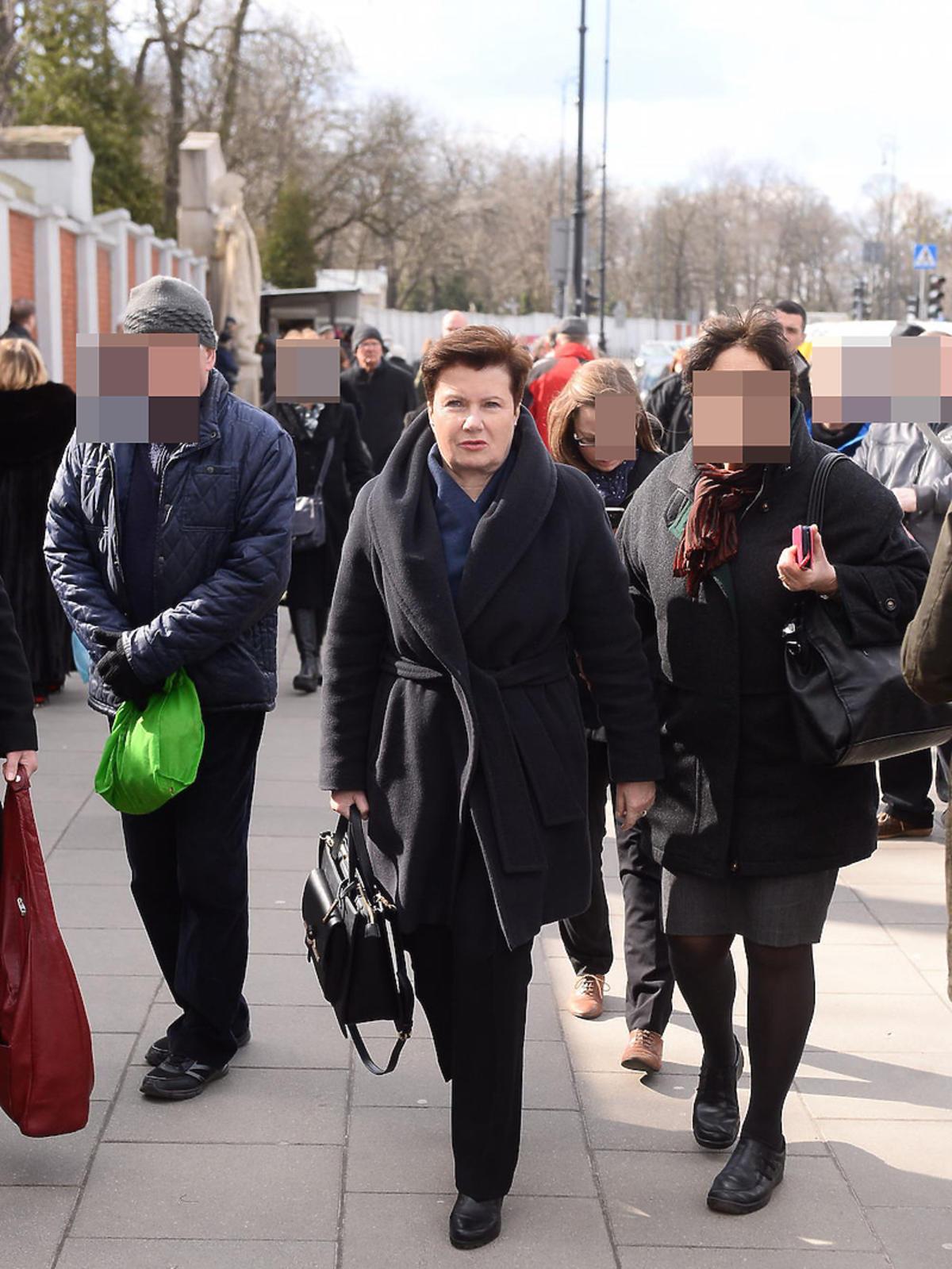 Hanna Gronkiewicz Waltz w czarnym płaszczu