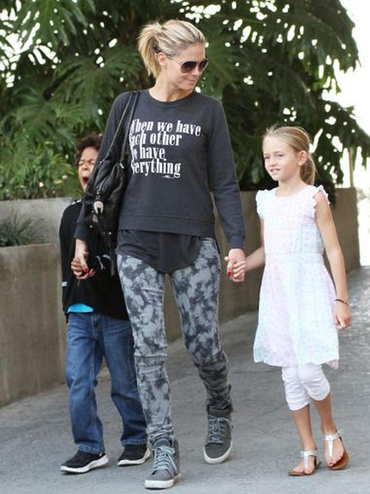 Heidi Klum na rodzinnym spacerze