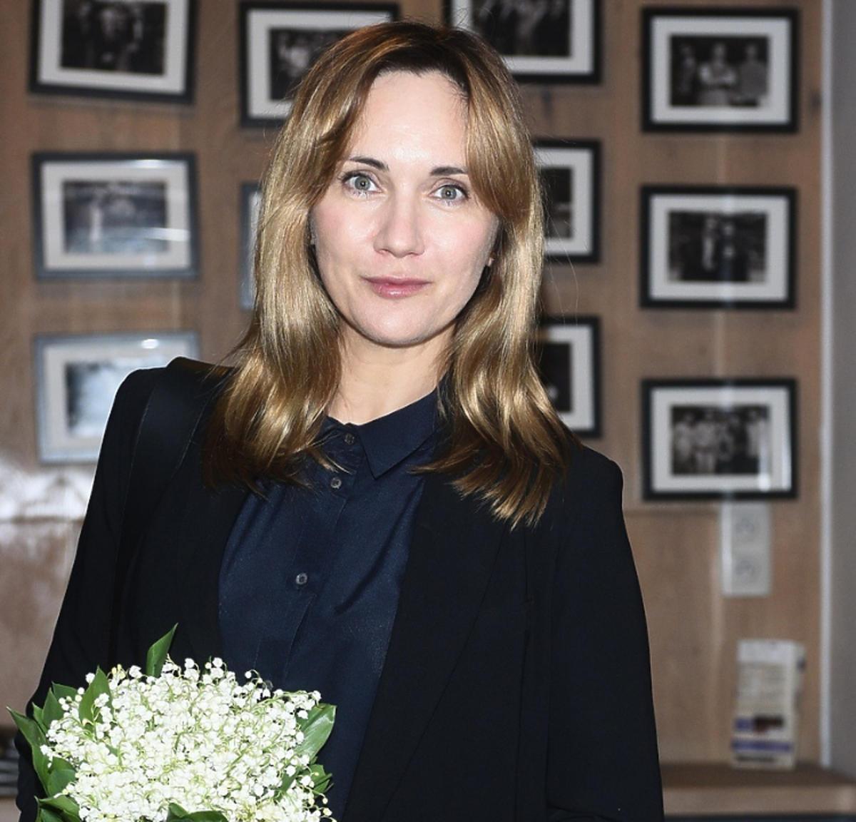 Ilona Ostrowska z kwiatkami