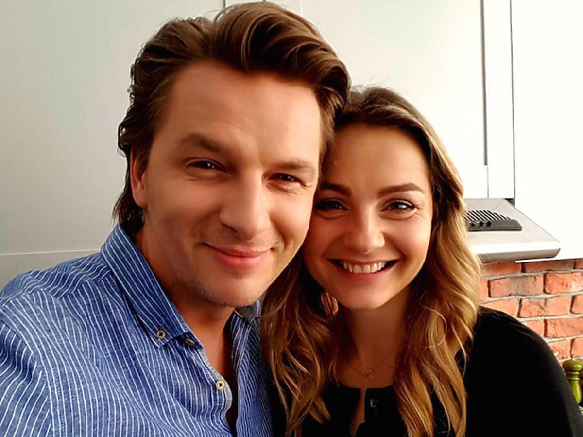Inga i Andrzej razem na zdjęciu na planie Przyjaciółek