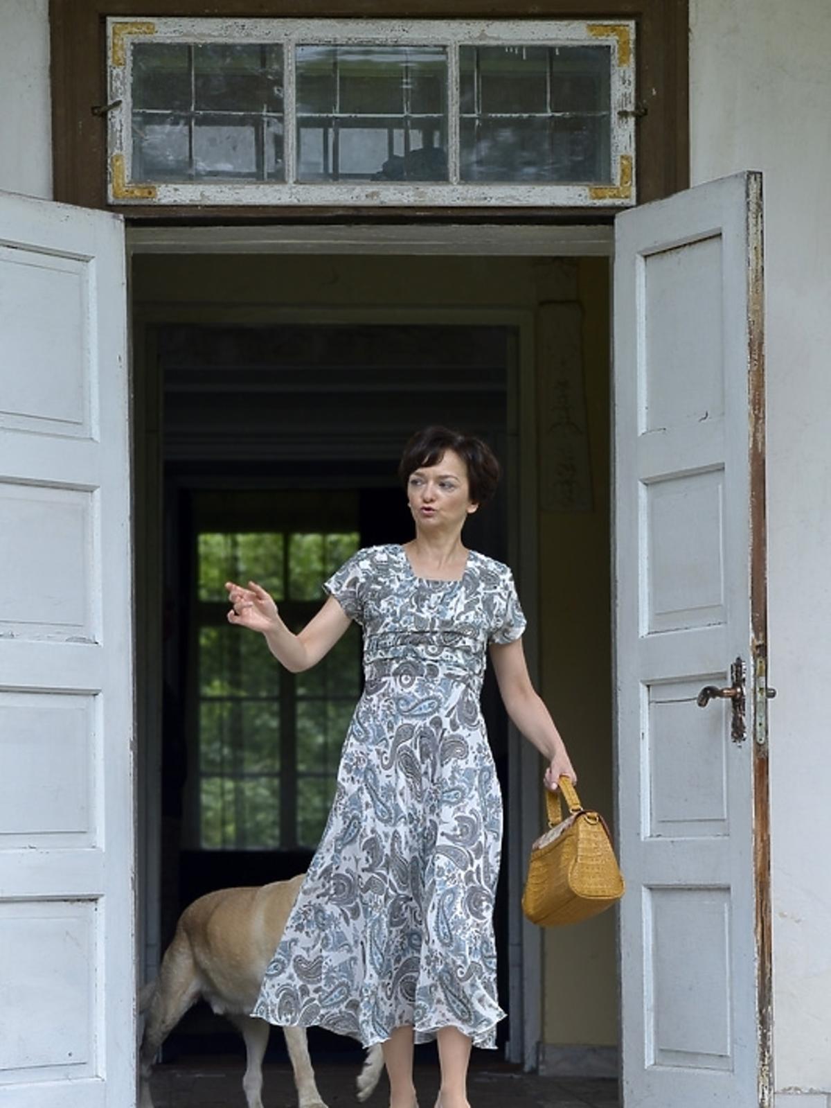 Izabela Dąbrowska na planie serialu
