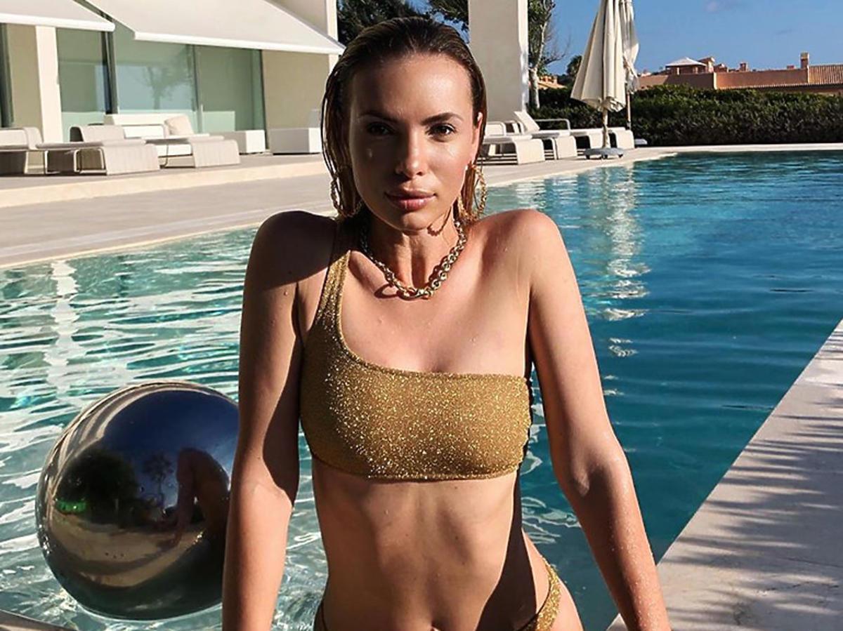 Izabela Janachowska w stroju kąpielowym z H&M
