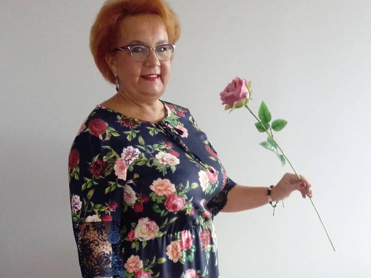 Izabela Zeiske z Gogglebox z kwiatkiem