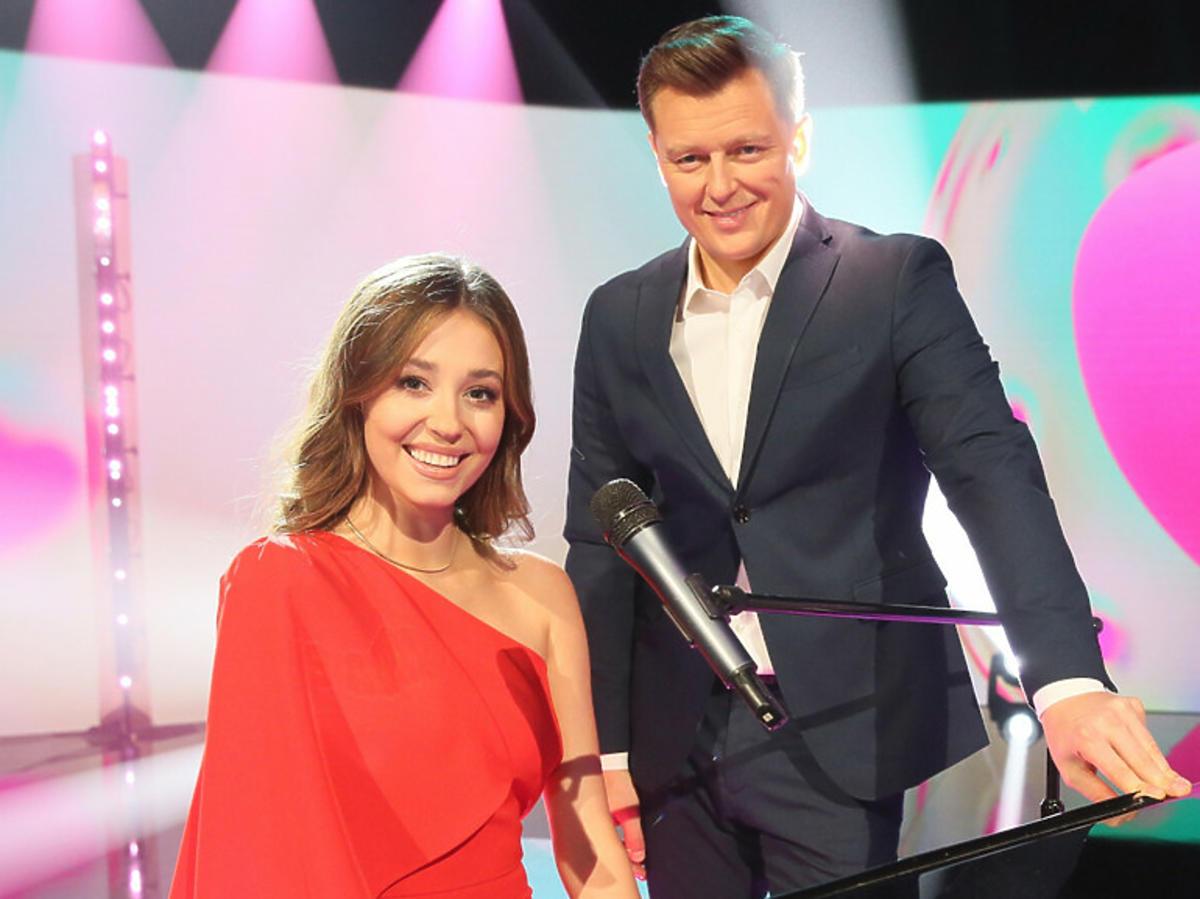 Izabella Krzan z Rafałem Brzozowskim przy fortepianie
