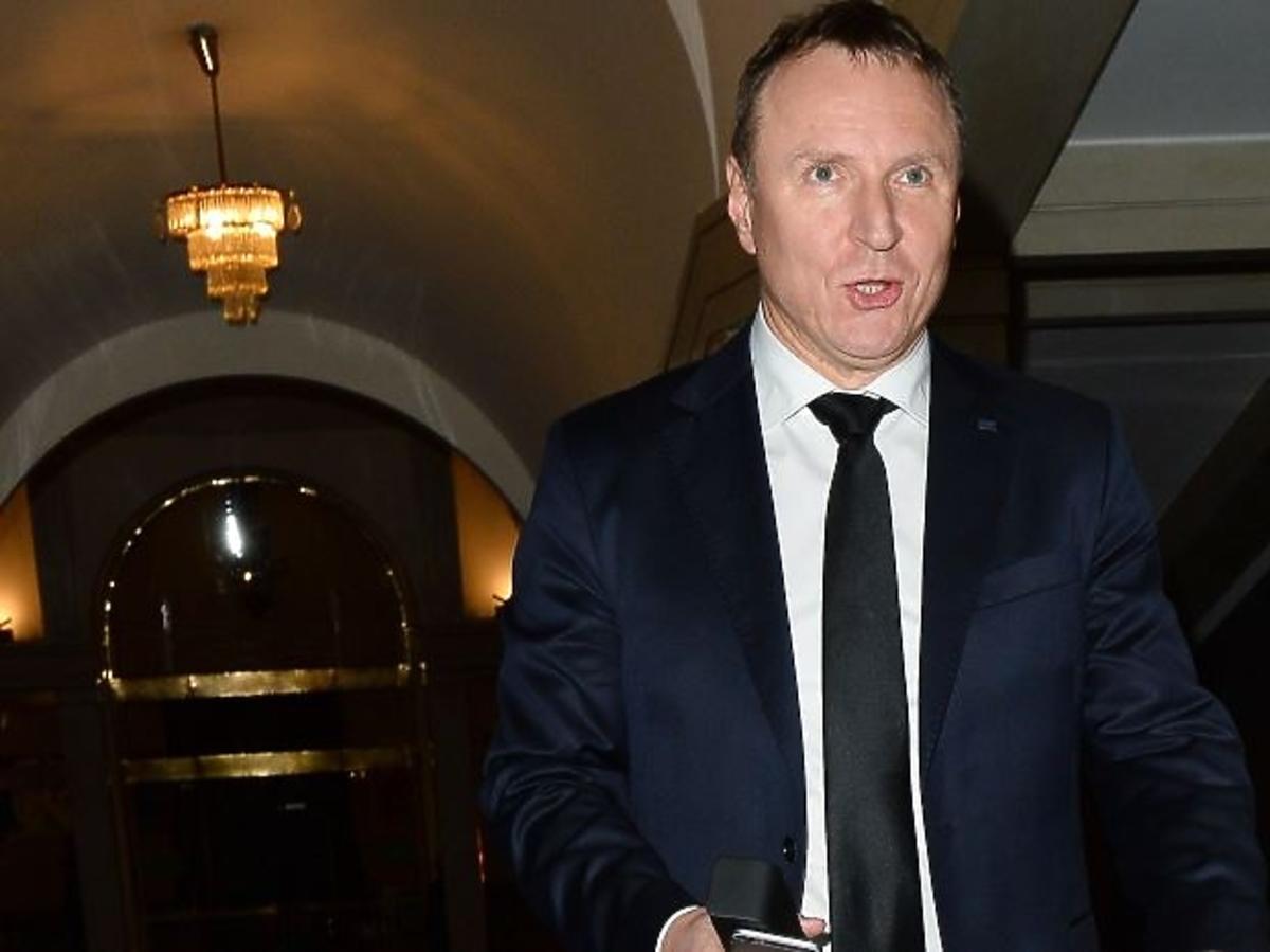 Jacek Kurski w krawacie