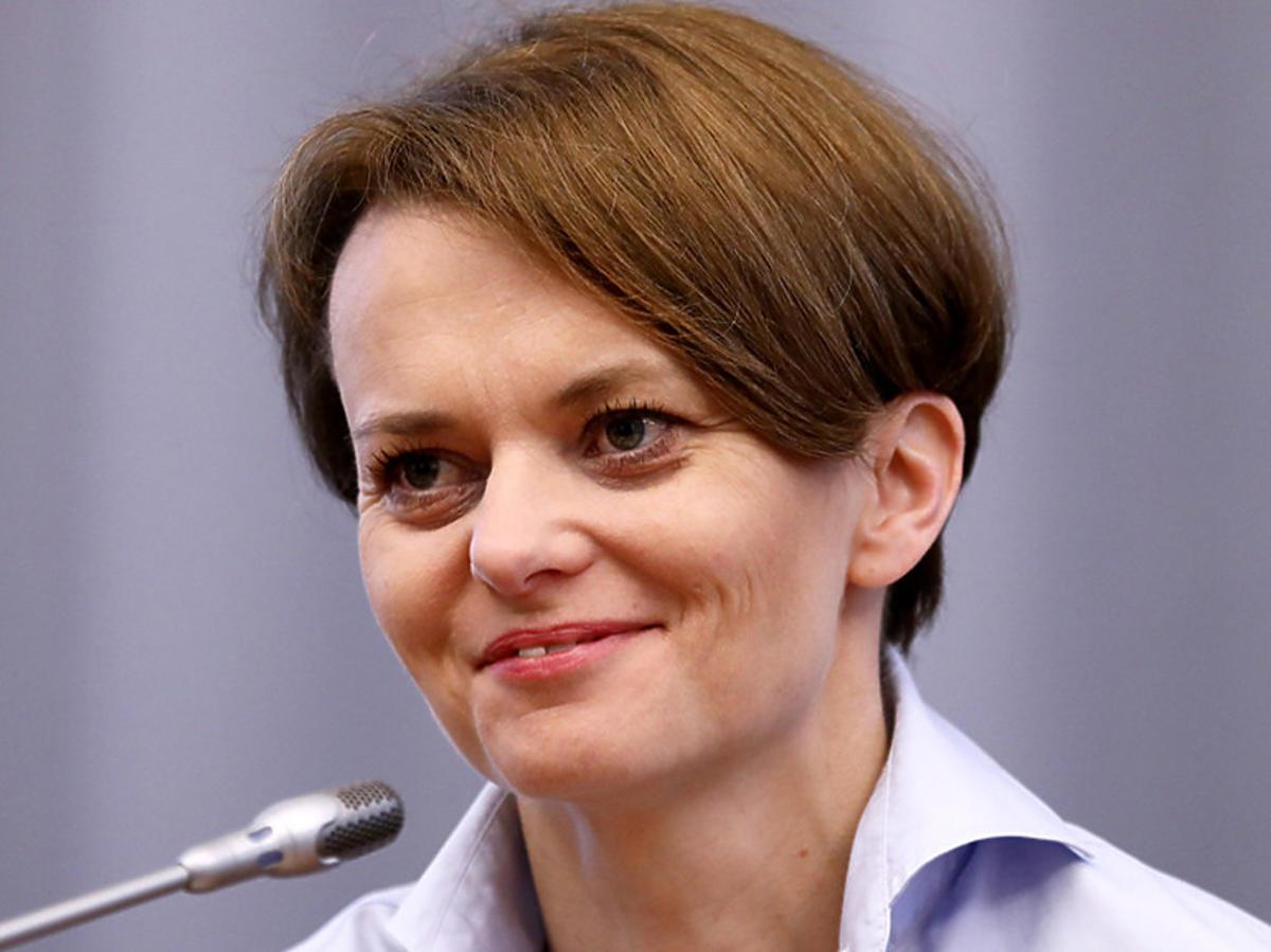 Jadwiga Emilewicz zapowiada otwarcie gospodarki do końca czerwca
