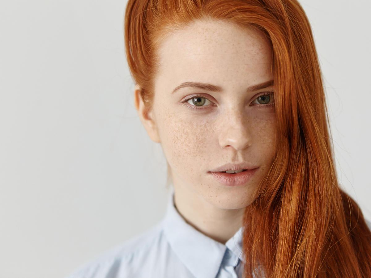Jak dbać o rude włosy