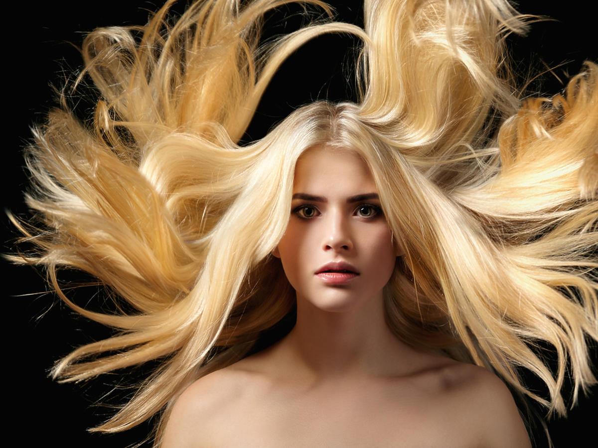 Jak pielęgnować blond włosy