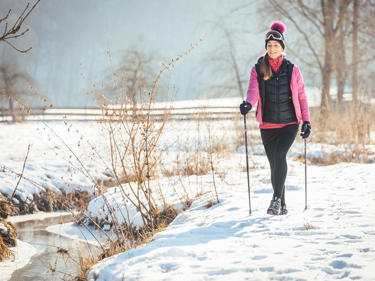 Jak przygotować się do uprawiania nordic walking w zimie?