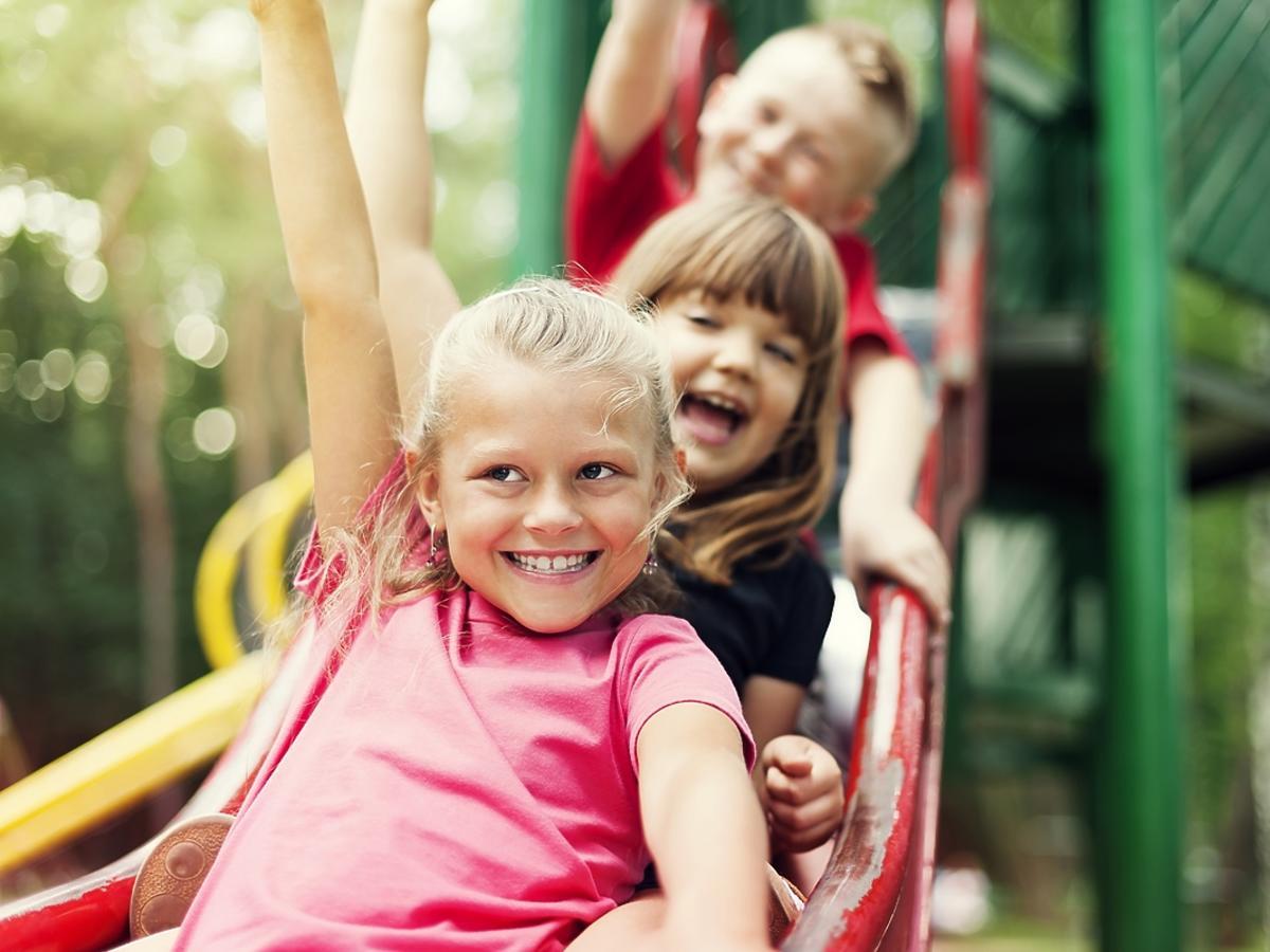 Jak wybrać zjeżdżalnie ogrodową dla dzieci?