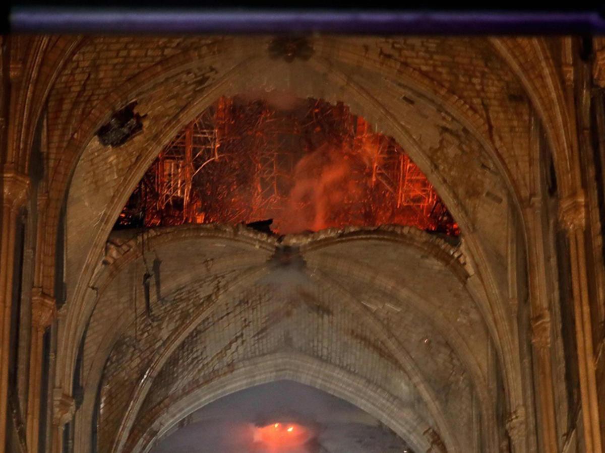 jak wygląda katedra Notre Dame po pożarze