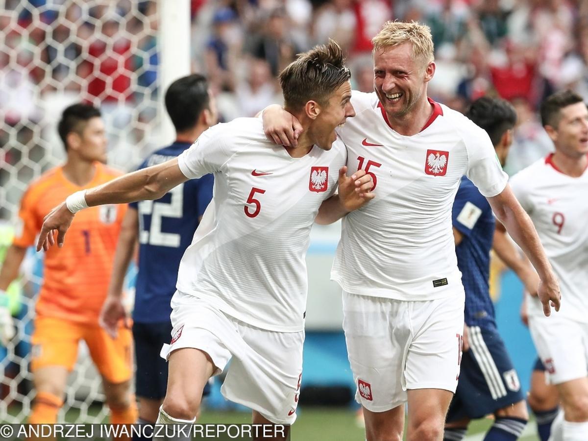 Jan Bednarek strzela gola w meczu Polska-Japonia