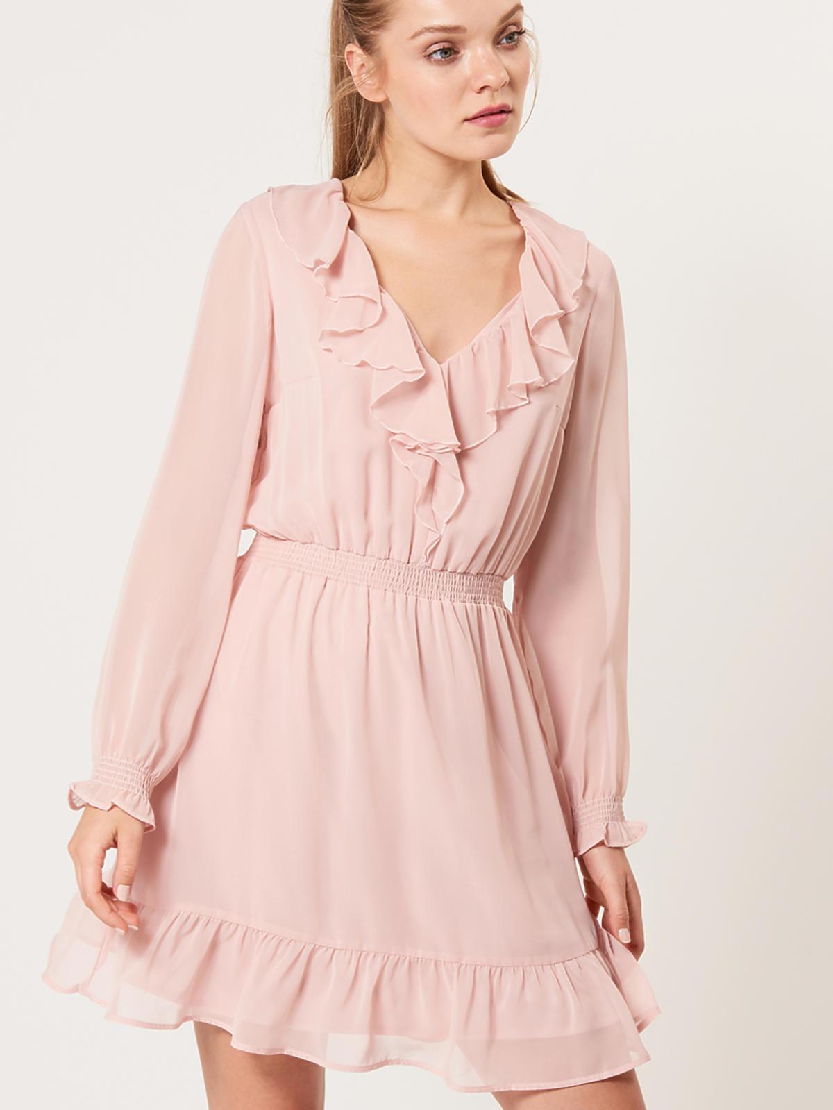Jasnoróżowa sukienka z falbanami, Mohito, 89,99 (139,90 zł)
