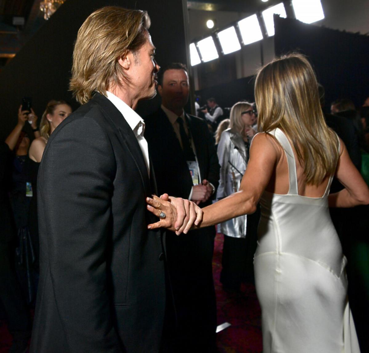 Jennifer Aniston i Brad Pitt czułe gesty
