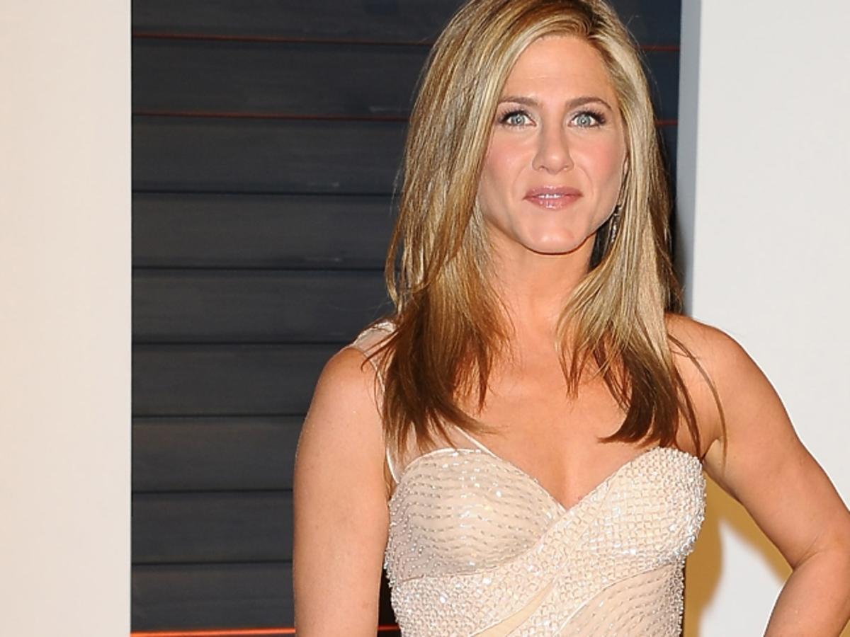 Jennifer Aniston w rozpuszczonych włosach