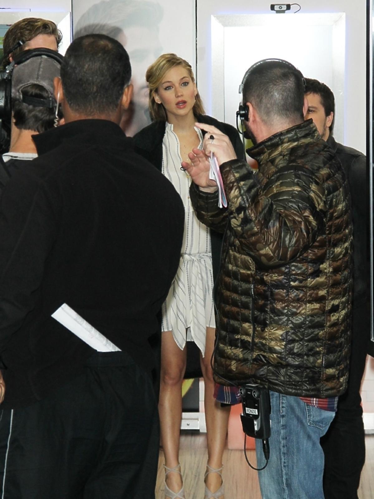 Jennifer Lawrence w koszuli nocnej