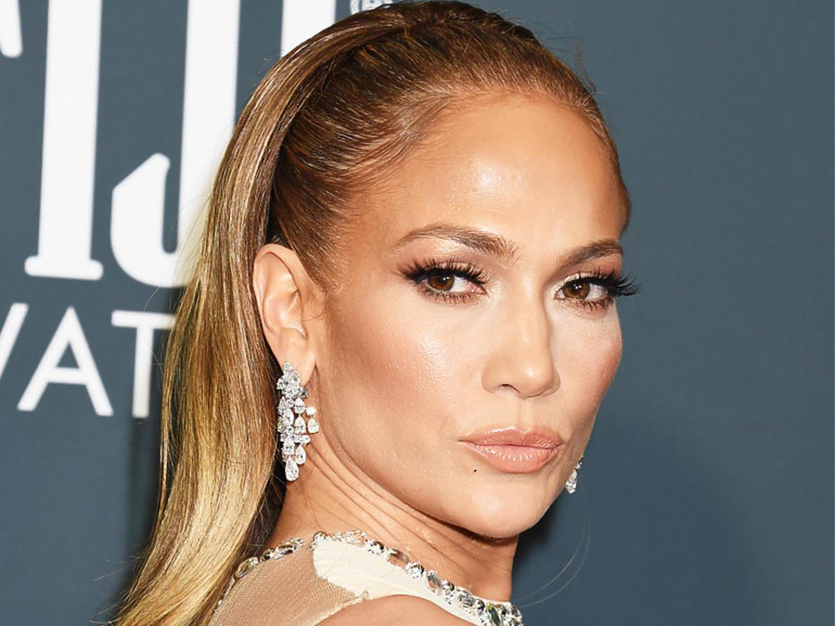 Jennifer Lopez ścięła włosy. Jak wygląda bez doczepów?