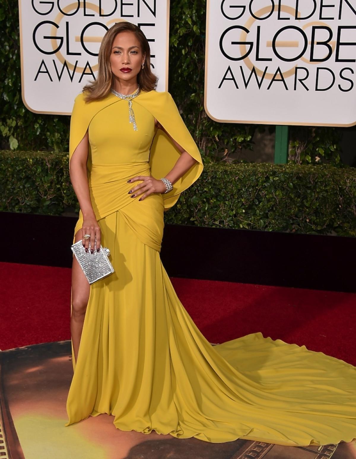 Jennifer Lopez w żółtej kreacji
