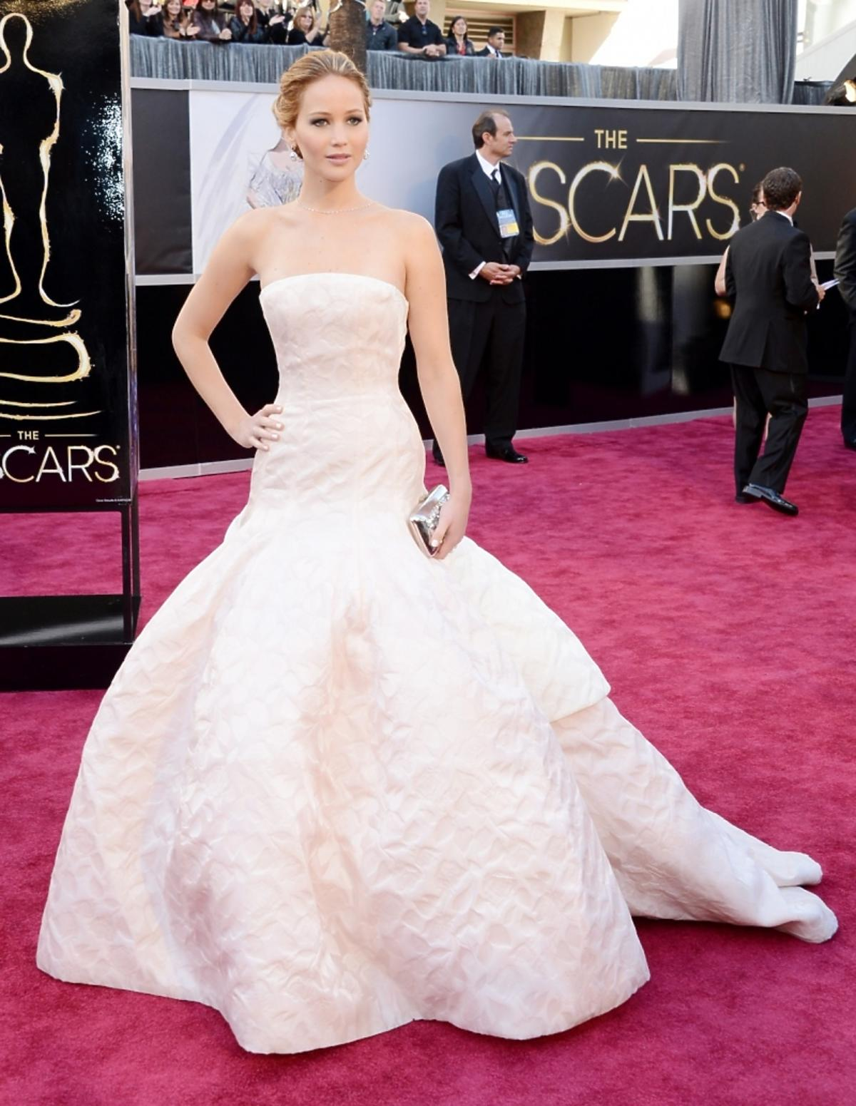 Jennifer_Lawrence_in_Christian_Dior_Couture.jpg