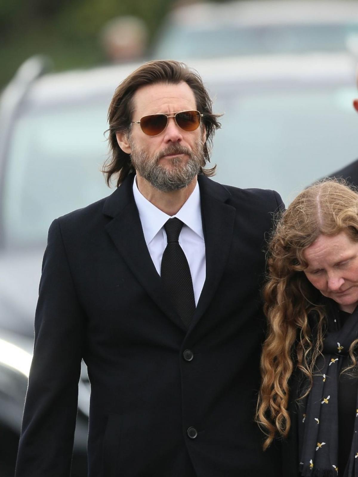 Jim Carrey na pogrzebie