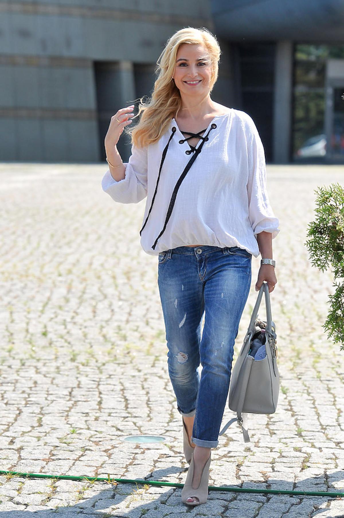Joanna Brodzik w dżinsach