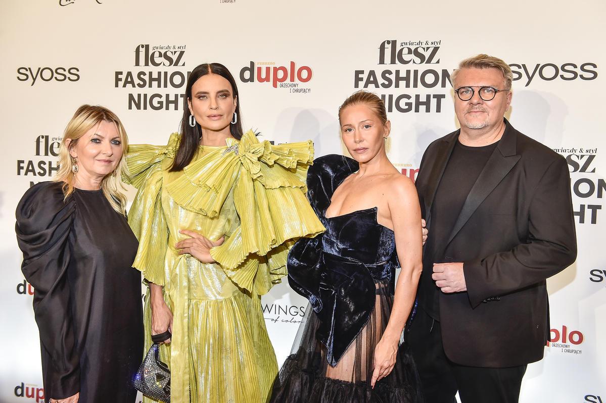 Joanna Horodyńska i Katarzyna Warnke w sukiach MMC na Flesz Fashion Night 2021