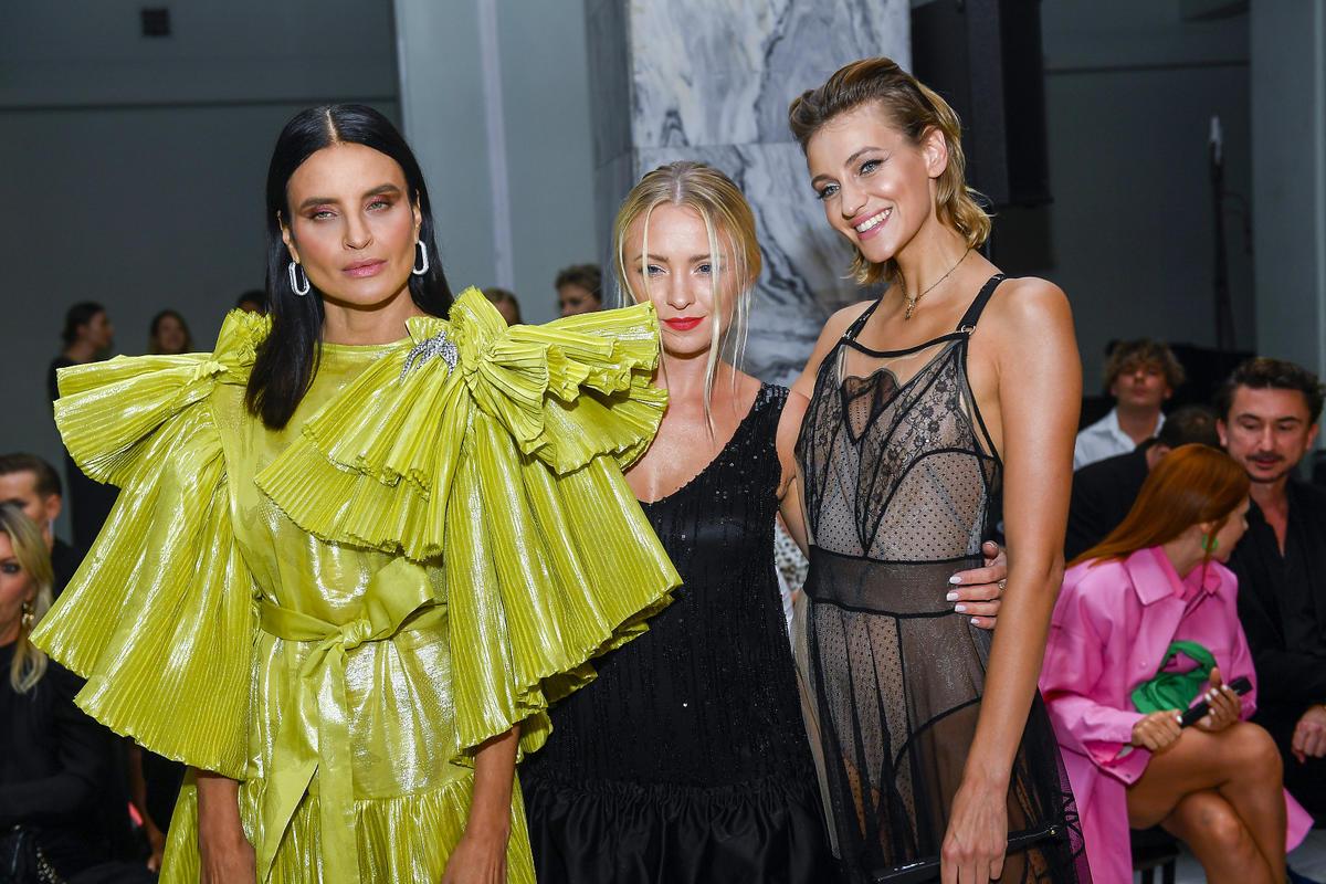 Joanna Horodyńska iBarbara Kurdej-Szatan w sukiach MMC na Flesz Fashion Night 2021