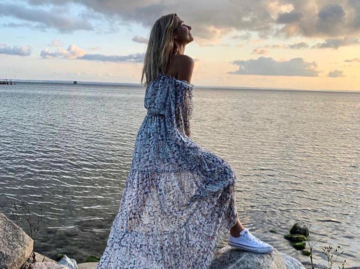 Joanna Koroniewska w letniej sukience