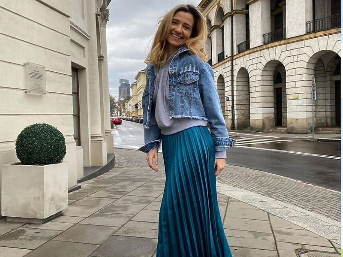 Joanna Koroniewska w plisowanej spódnicy z Zary