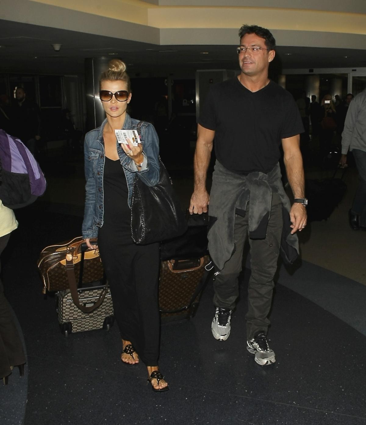 Joanna Krupa i Romain Zago na lotnisku w Los Angeles