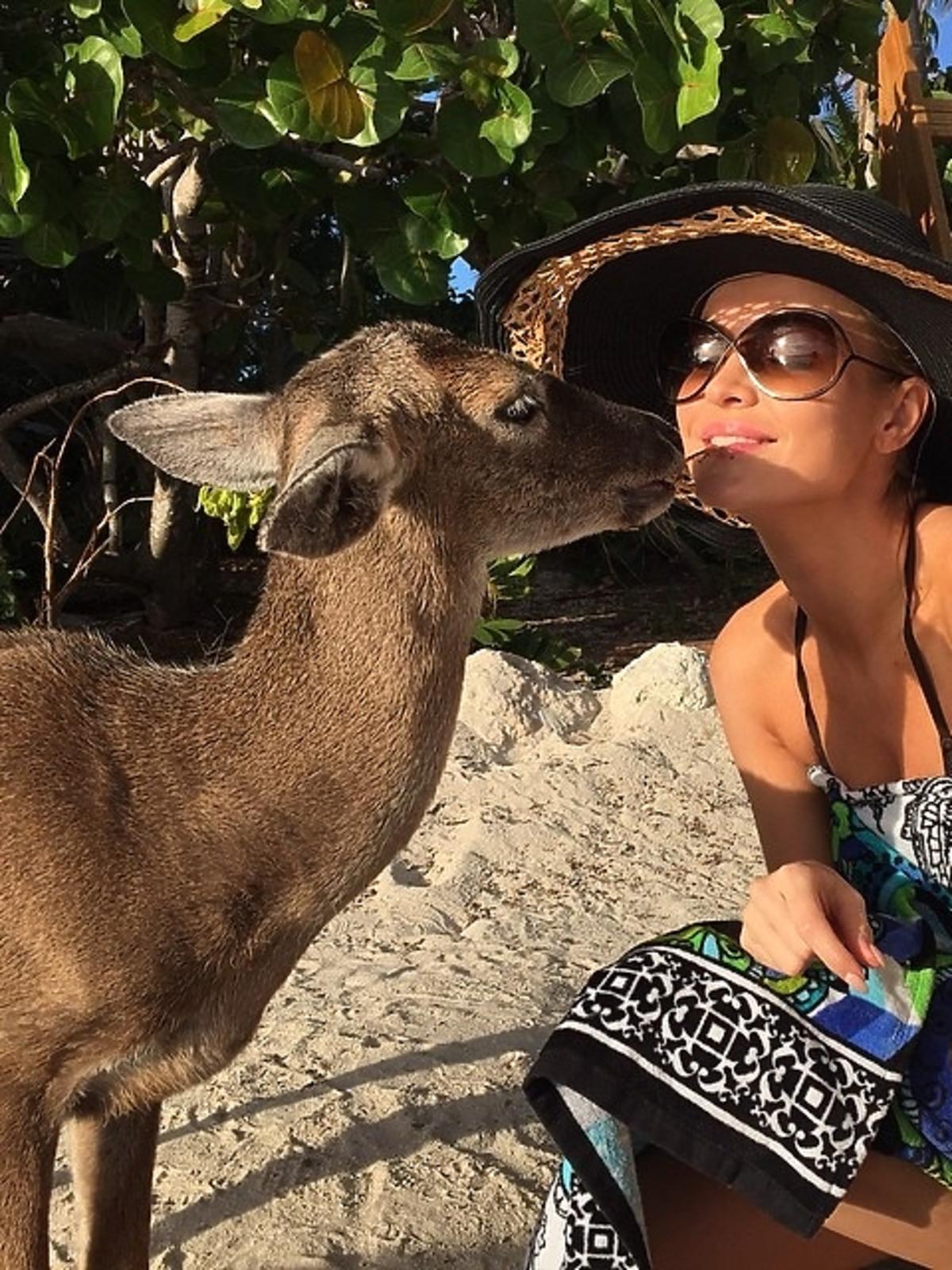 Joanna Krupa na wakacjach w Palm Island