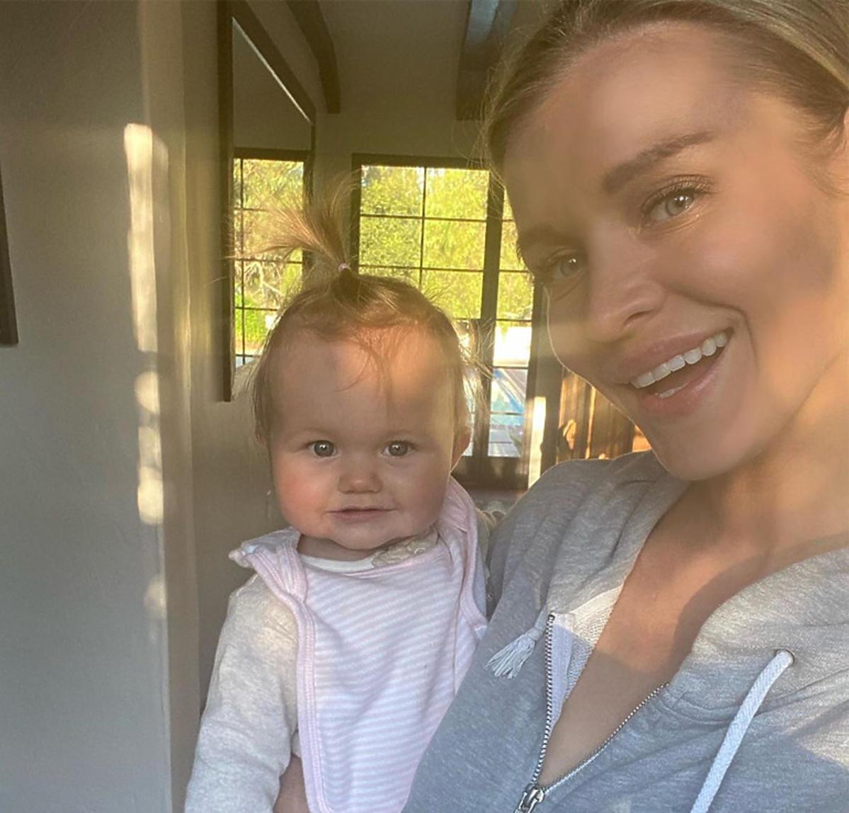 Joanna Krupa pokazała jak wyglądają jej poranki z córką