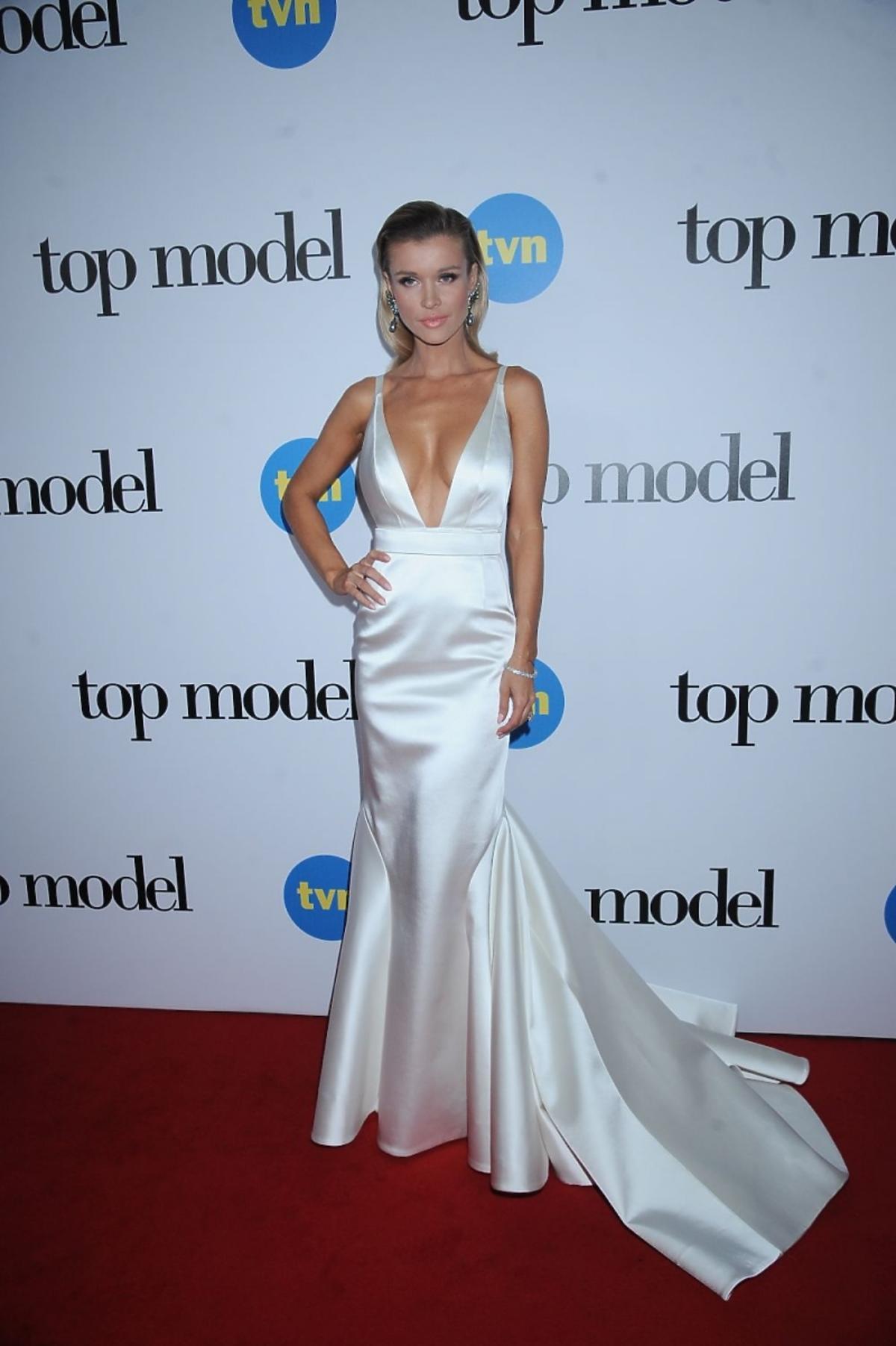 Joanna Krupa w białej sukni