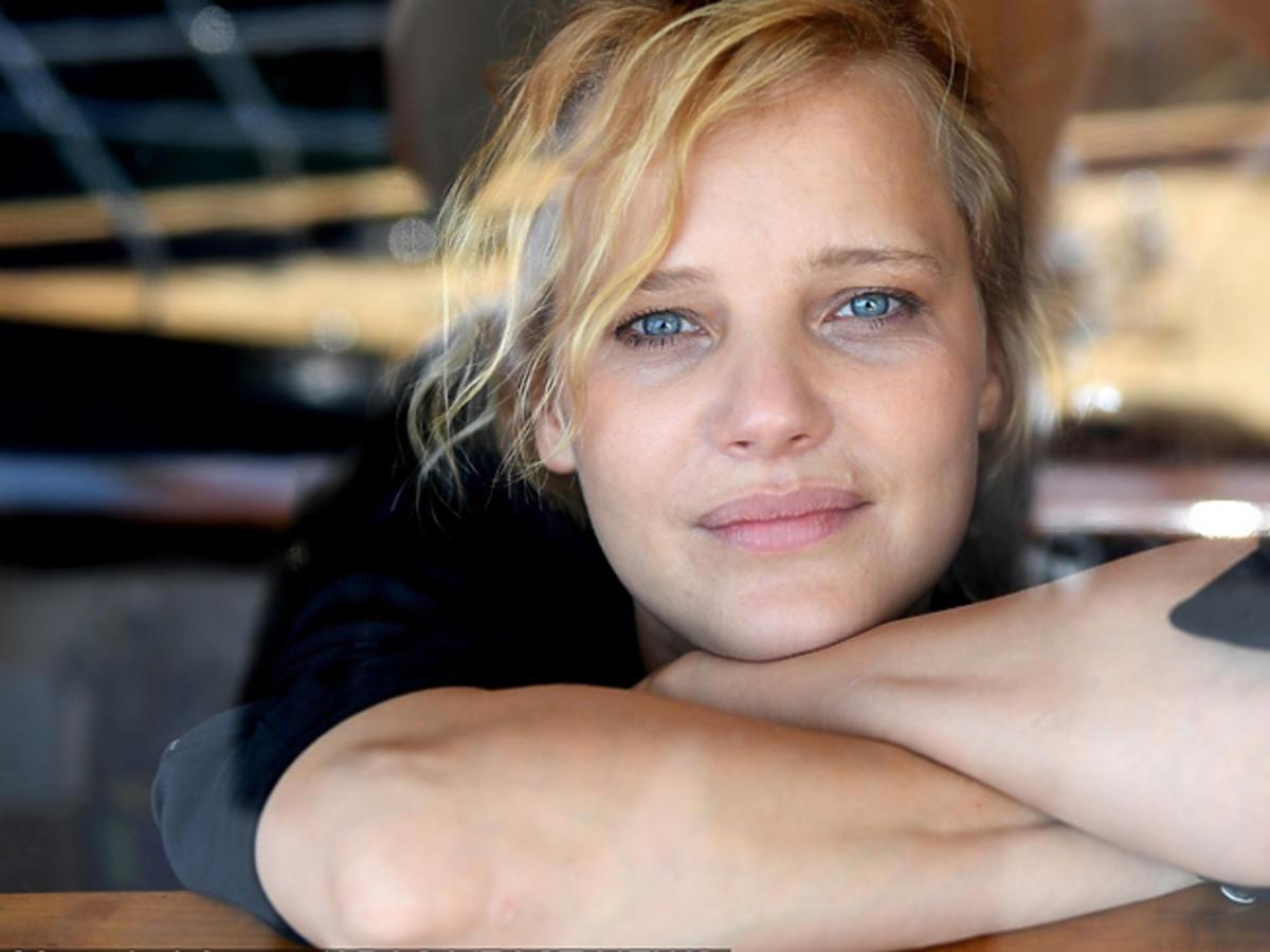 Joanna Kulig na okładce francuskiego ELLE