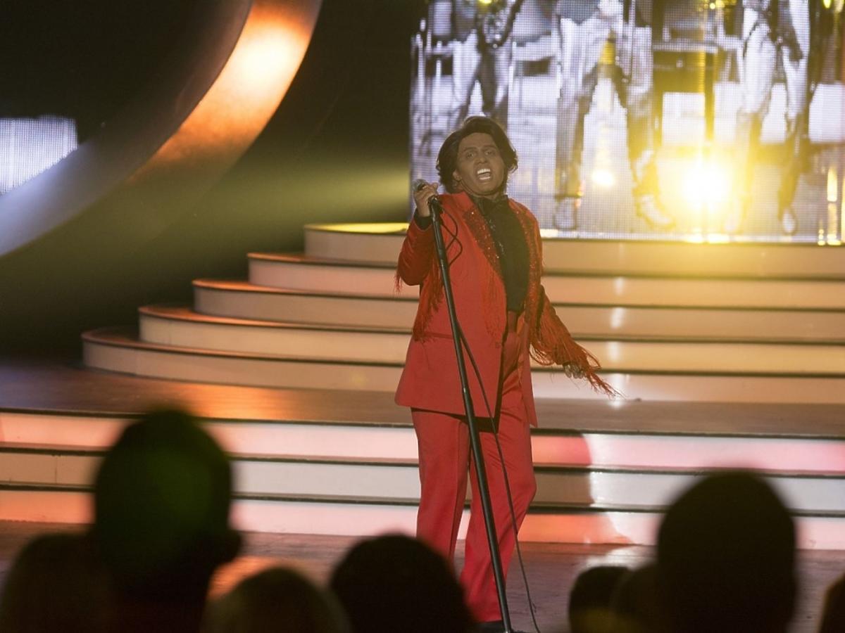 Joanna Liszowska jako James Brown w Twoja Twarz Brzmi Znajomo