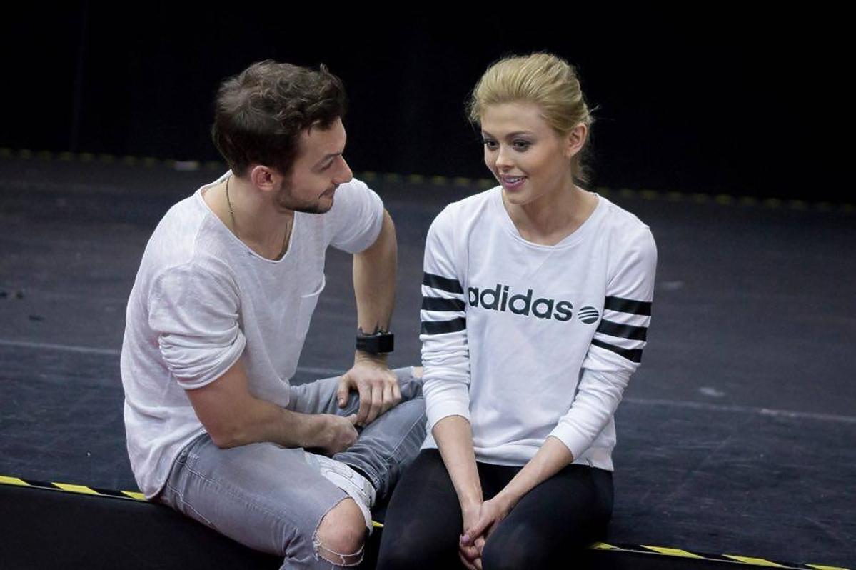 Joanna Opozda i Kamil Kuroczko trenują do Tańca z Gwiazdami w białych bluzach