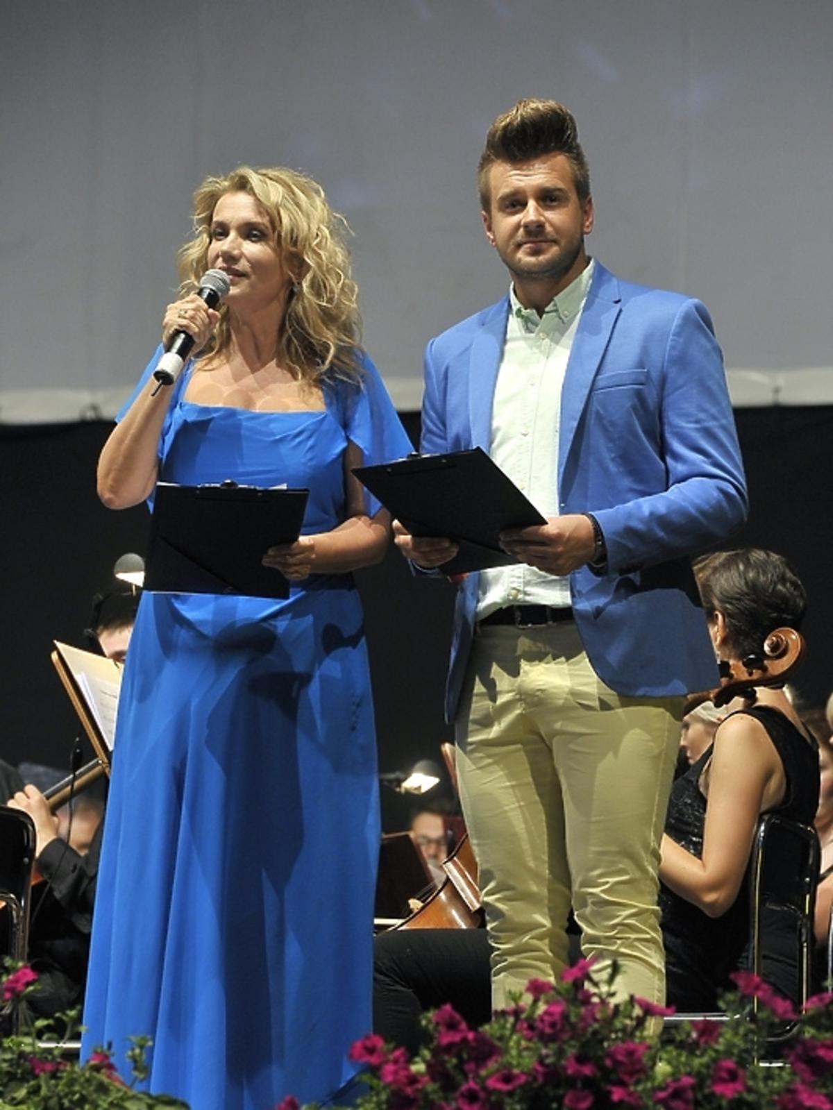 Joanna Trzepiecińska i Marcin Mroziński na Festiwalu Piosenki i Ballady Filmowej w Toruniu