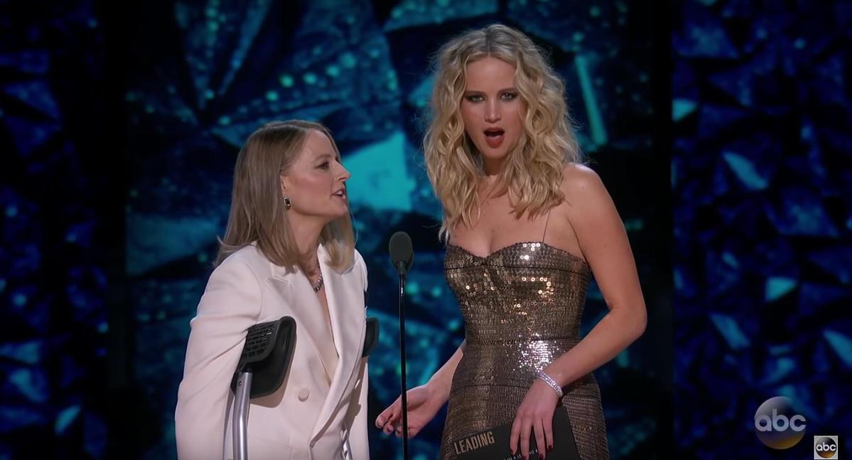 Jodie Foster pojawiła się na Oscarach o kulach! Co się stało?!