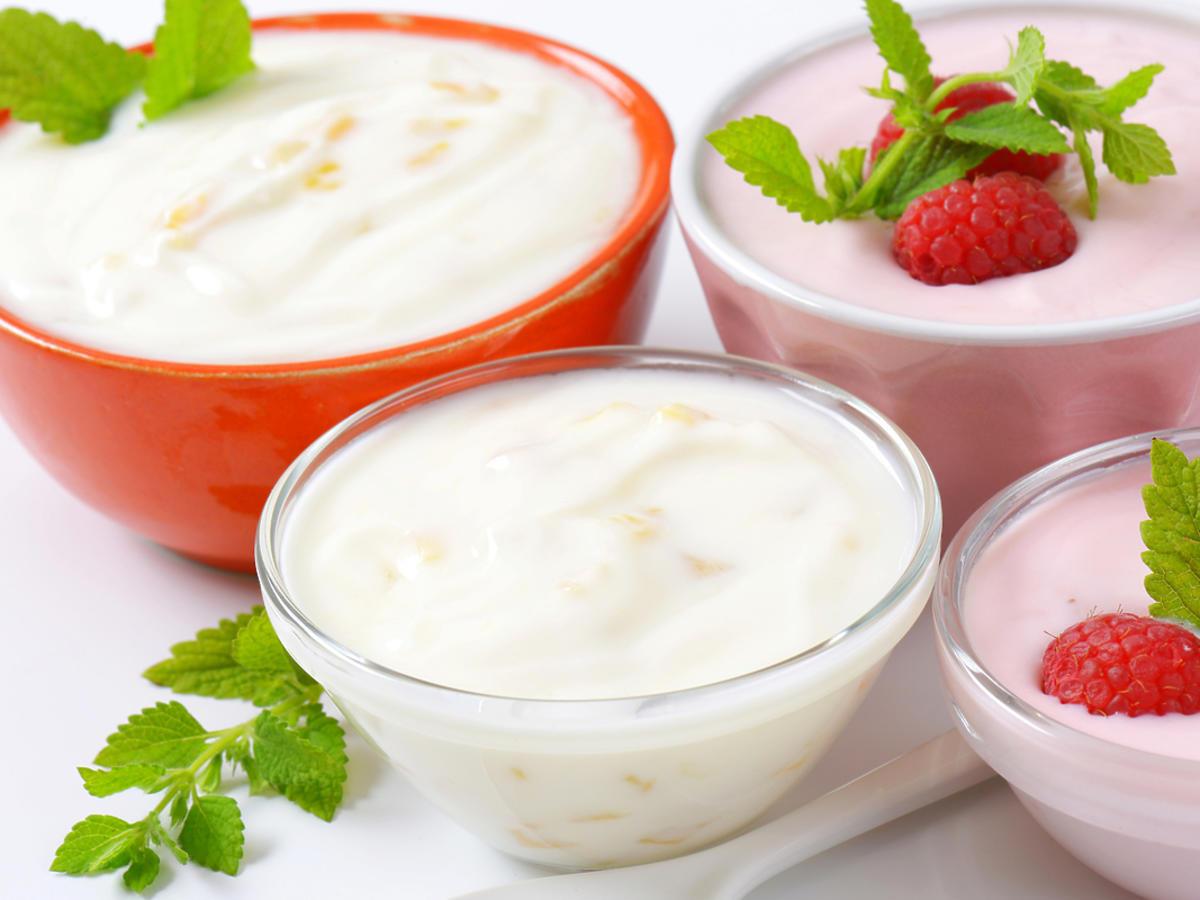 jogurty w miseczkach