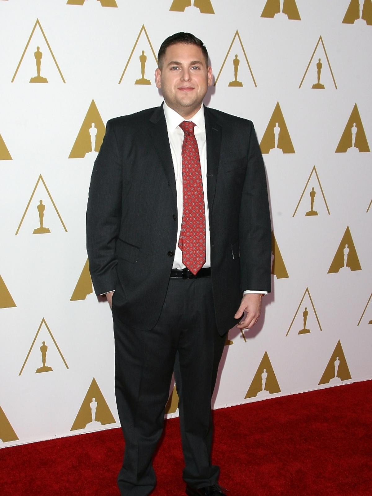 Jonah Hill podczas konferencji prasowej nominacji do Oscarów 2014