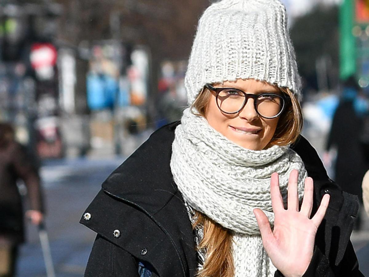 Julia Pietrucha w czapce