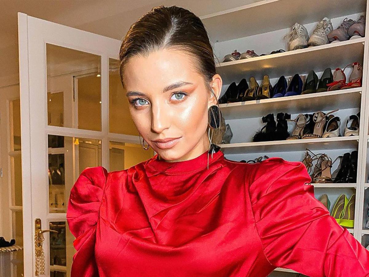 Julia Wieniawa w czerwonej sukience