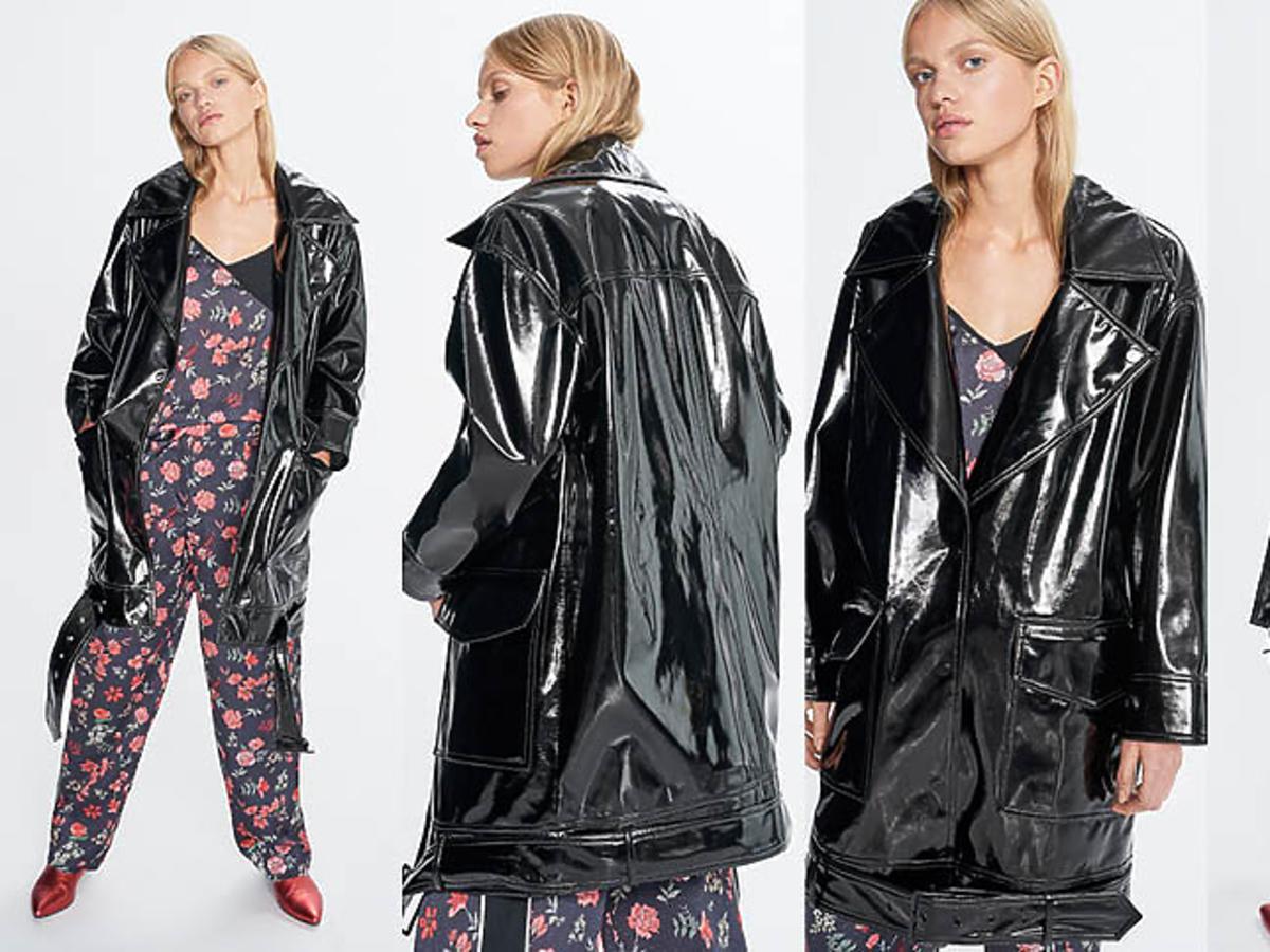 Julia Wieniawa w lateksowym płaszczu