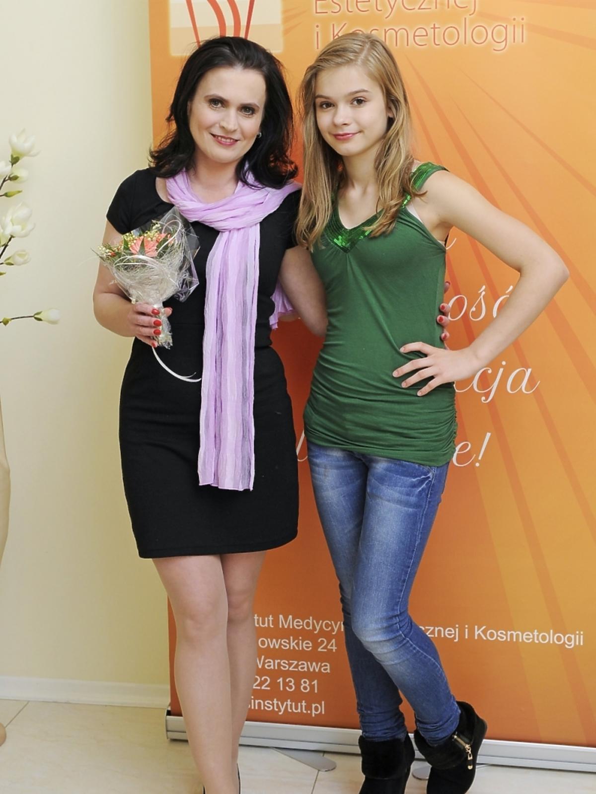 Julia Wróblewska z mamą