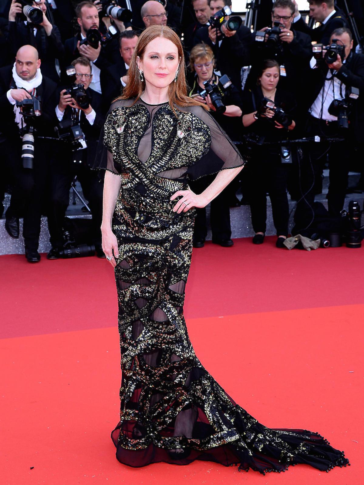 Juliann Moore w czarno-złotej sukni