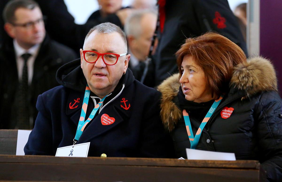 Jurek Owsiak z żoną na pogrzebie prezydenta Gdańska Pawła Adamowicza