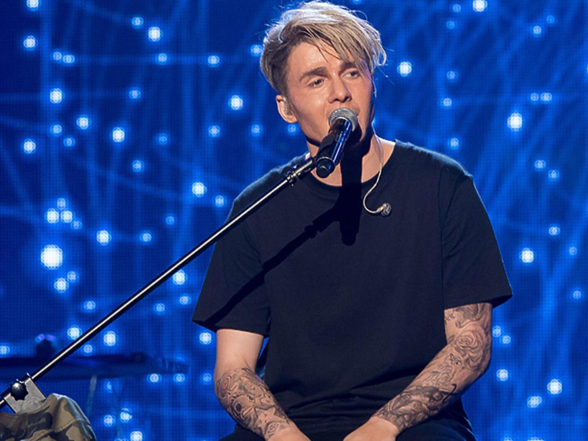 Justin Bieber w blond włosach