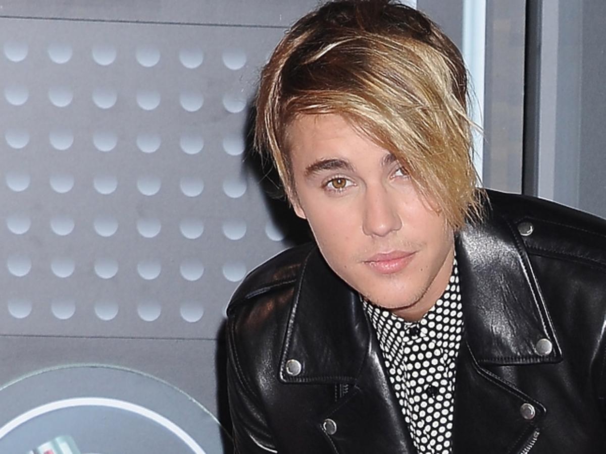 Justin Bieber w skórzanej kurtce